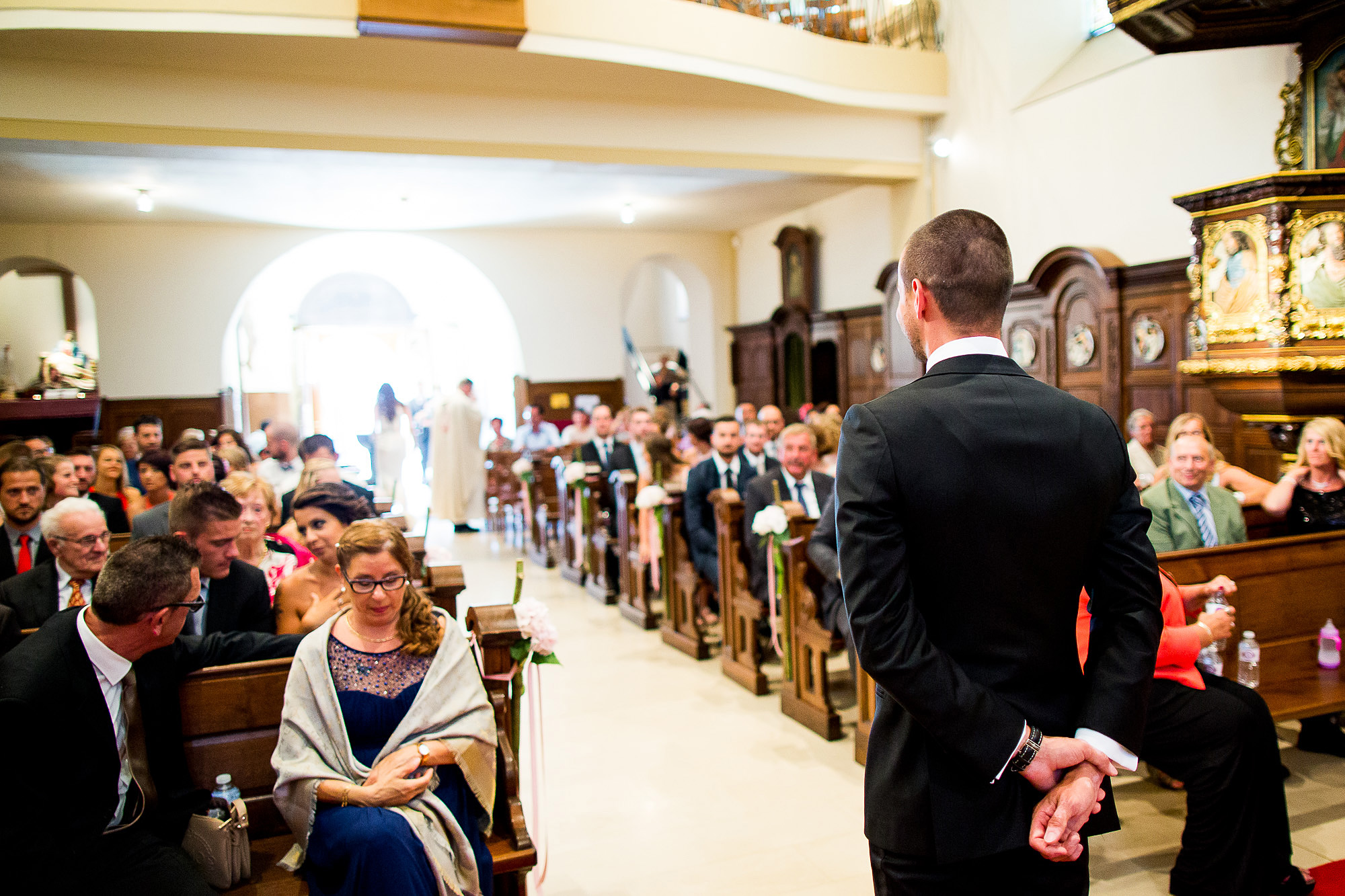 Luxemburg, down the aisle, church, wedding, bride, excitement, weddingdress, gespannt, freude, aufregung